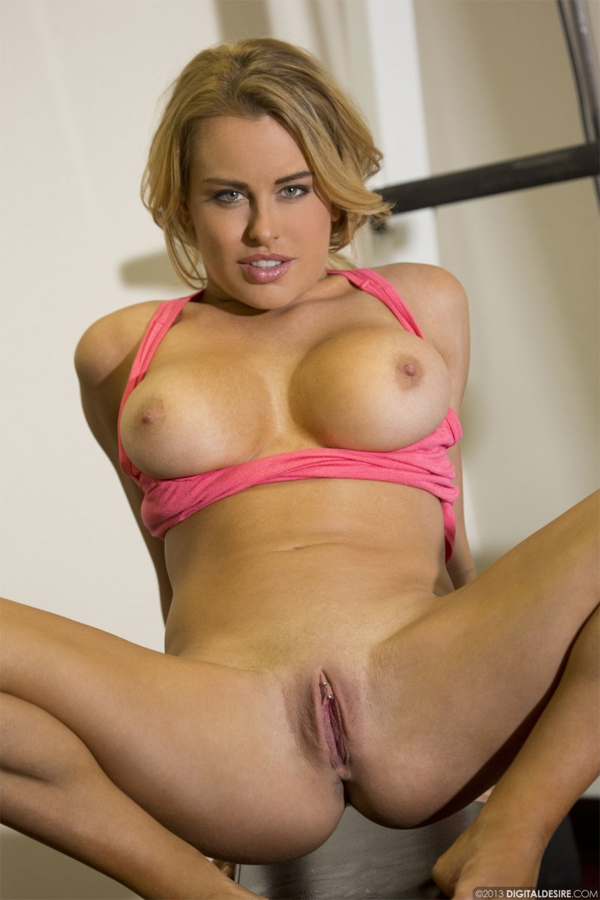 image Beautiful big tits leigh dennis fucked