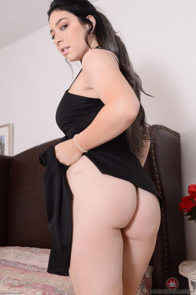 Amilia Onyx porn videos